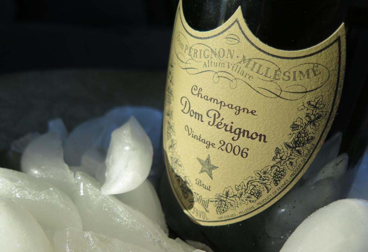 etiketa na víně